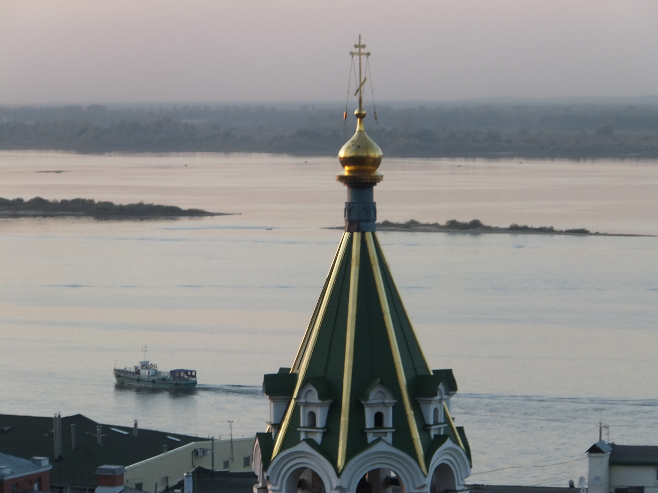 nizhny_Volga_Church_Boat