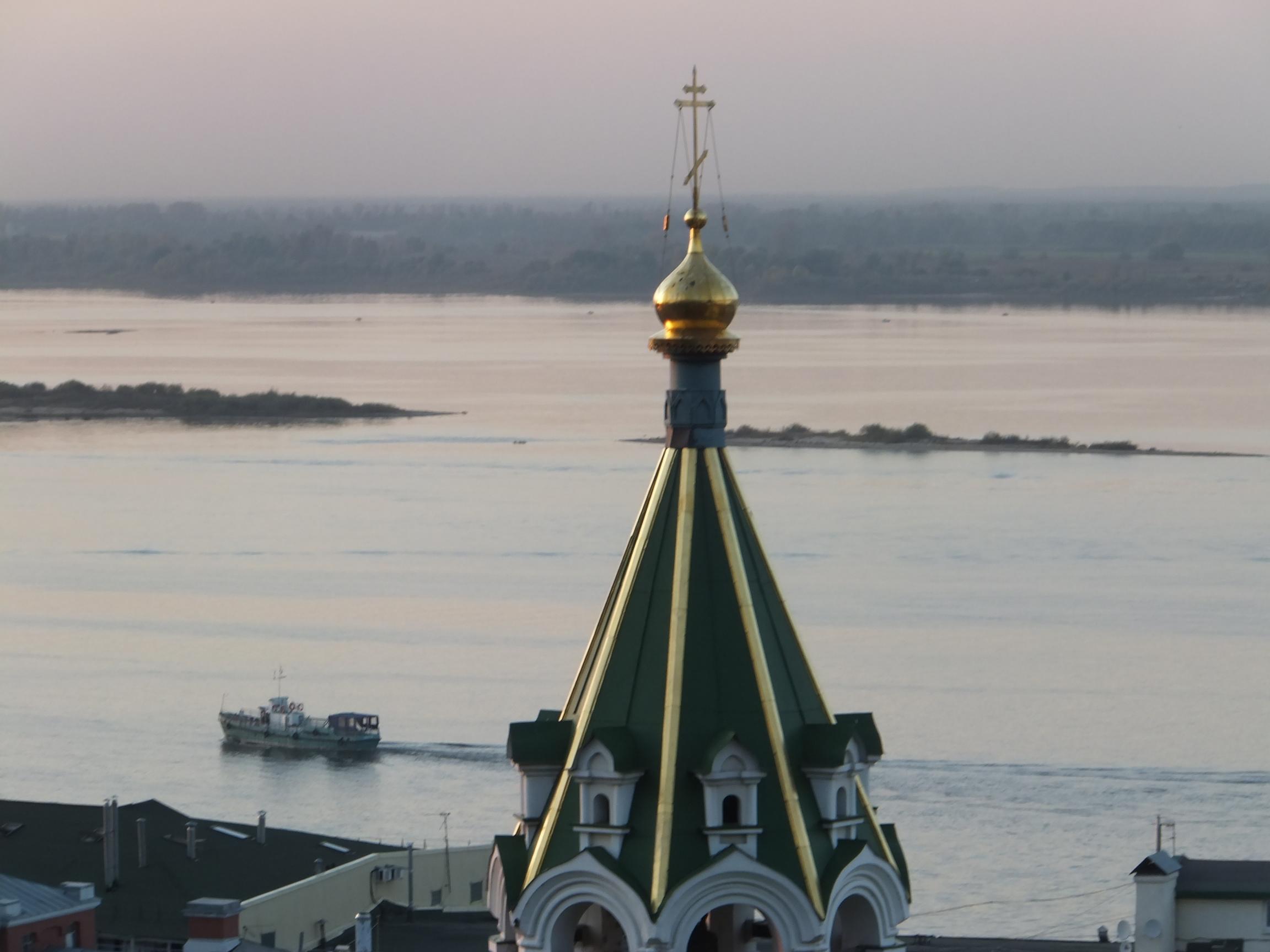 nizhny_Volga_Church_Boat